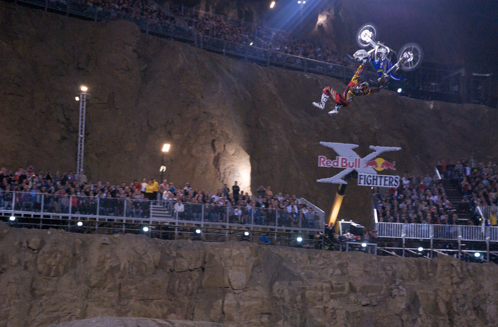 x-fighters10